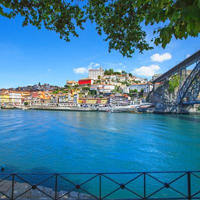 Vue sur une crique portugaise